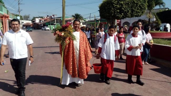 Católicos celebran el Domingo de Ramos