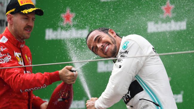 Hamilton gana GP 1000 de fórmula 1