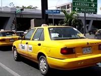 ¡Taxistas agresores!
