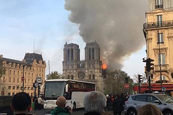 ¡Arde Notre Dame!