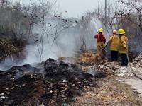 Incendio forestal alerta a colonos