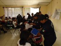 Hasta machetes decomisan a estudiantes de Comalcalco
