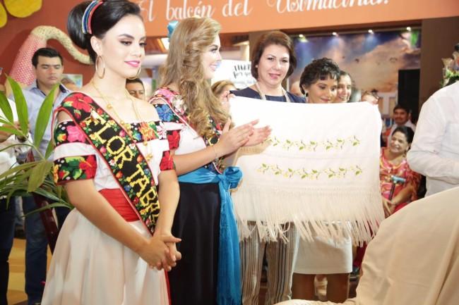 Atestigua Dea Isabel obra  artesanal de Emiliano Zapata