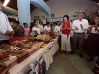 Visita Adán Augusto stand  de Centla en Feria Tabasco