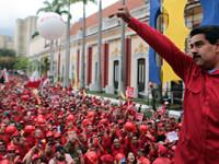 Partidarios de Maduro  también salen a las calles