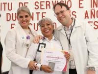 Reconocen trayectoria  de servicio a  trabajadores  del Hospital del Niño