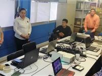 Capacitan a formadores y asesores bilingües
