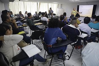 Capacitan a docentes en Enseñanza Artística
