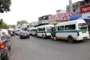 Paradas del transporte provocan caos vial