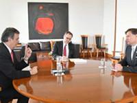 Primer encuentro de Ebrard con el  embajador de EU, Christopher Landau