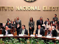 """INE no es florero"", le responden a Obrador"