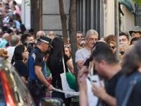 Camilo Sesto fue despedido  entre lágrimas y flores