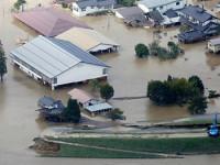 Suman 56 muertos por tifón en Japón