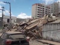 ¡Se derrumba edificio!