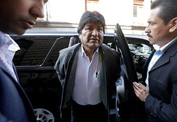 Evo Morales aterriza en Buenos Aires