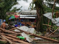 "Tifón ""Phanfone"" golpeó a Filipinas"