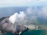 Súbita erupción del volcán White Island