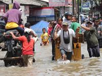 No para de llover en Yakarta