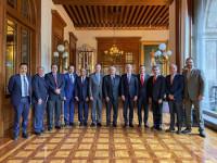 """Le """"entran"""" los  gobernadores del  tricolor al Insabi"""
