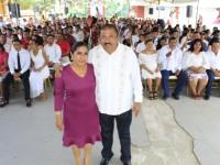 72 parejas se casaron en bodas colectivas