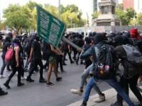 Policías no caen en provocación