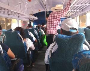 Transportistas ponen en peligro a usuarios