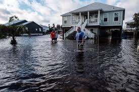 """""""Sally"""" deja un muerto y graves inundaciones"""