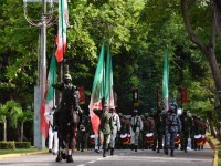 Encabeza AAHL desfile militar