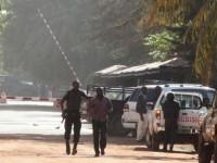 Terroristas atacan un autobús, 14 muertos