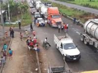 Desalojan la carretera Villahermosa-Cárdenas