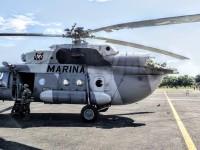 Aterriza de emergencia helicóptero de la Marina