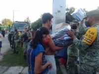 Continúa llegando ayuda humanitaria a tabasqueños afectados por las lluvias