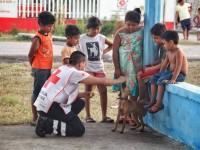 Jóvenes de la Cruz Roja son solidarios con tabasqueños