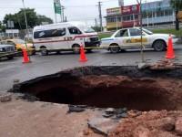 Repara Obras Públicas más de  20 socavones en Villahermosa