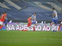 Porto y el 'Tecatito' rescatan empate