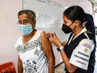 Adultos mayores deben vacunarse para prevenirse