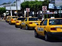 Golpea contingencia sanitaria a taxistas; bajan 70 % sus ingresos