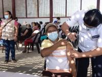 6 mil 710 adultos ya  fueron inmunizados