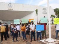 Se manifiestan delegados municipales de Centro