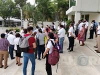 Se manifiestan trabajadores del Museo Pellicer