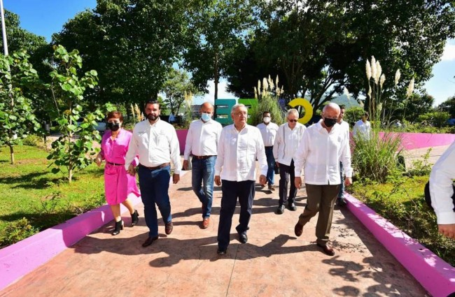 AMLO también ofrece chamba al panista Antonio Echevarría