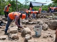 Descubren monumentos arqueológicos