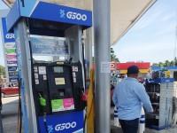 Denuncian usuarios robo descarado de gasolina en Jalpa